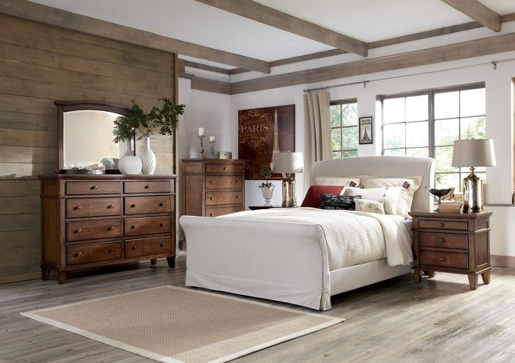 This Slipcovered Bed Gives You The Coastal Feeling With Breezes Blowing By Burkesville