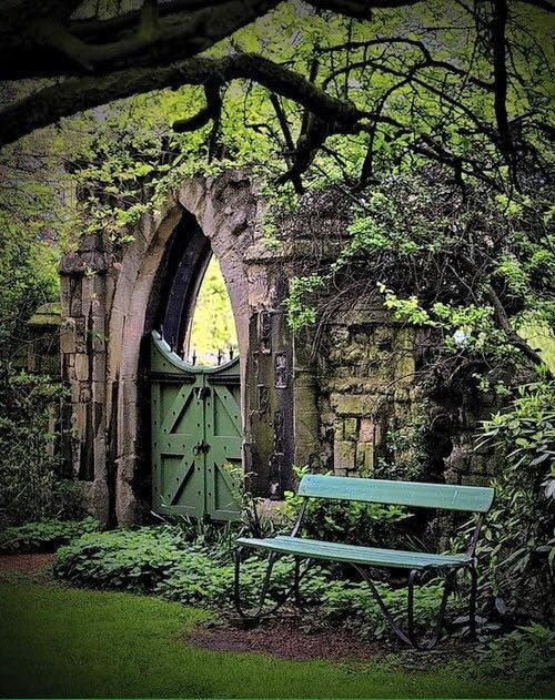 salantami:    Garden gate, Regents Park, London