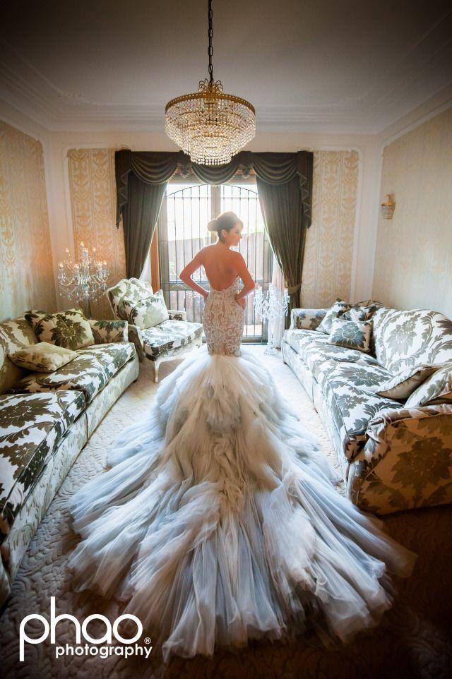 This wedding dress: wow! J'aton Couture. Photo: Phao Photography.