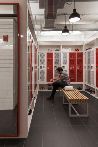 <p>90% of SRAM's employees bike to work so Perkins+Will built a full locker room with showers to make the commuting into the office easier.</p>