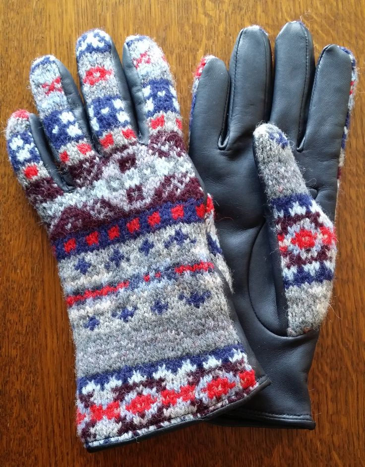 625-13-94E pattern with Navy leather palms.