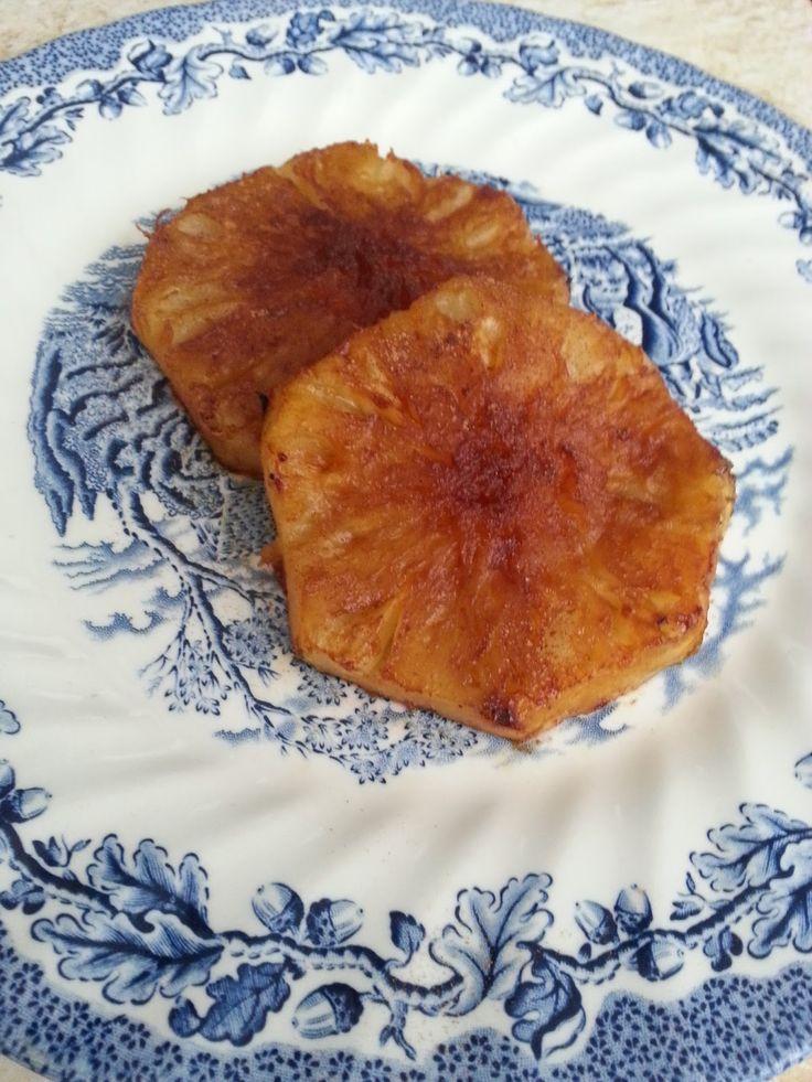 Para matar a vontade de comer doce!!! Muito fácil gente: só cortar o abacaxi, tirar a casca (guarda ela pra fazer chá 😉), coloca na panela...