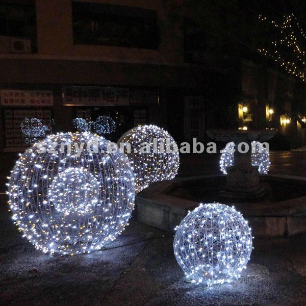 Large led christmas ball for outdoor light decorations for Outdoor light up ornaments