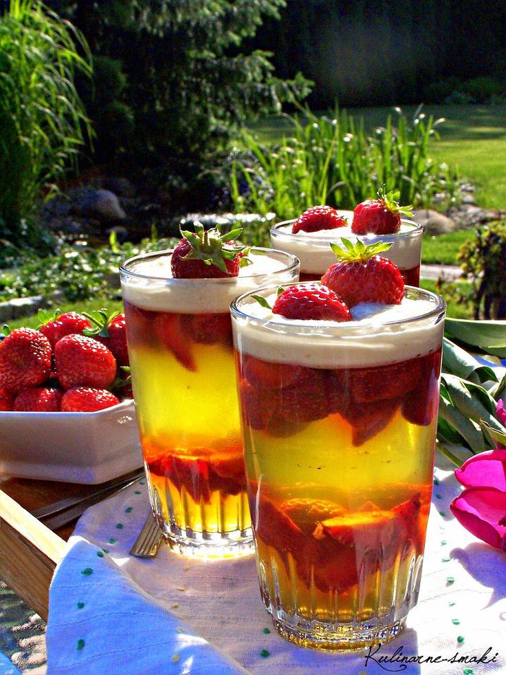 Kulinarne-smaki.blogspot.com: Deser galaretkowo-truskawkowy