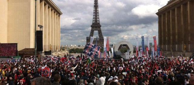 PSG : La remise du trophée en direct des Champions de France