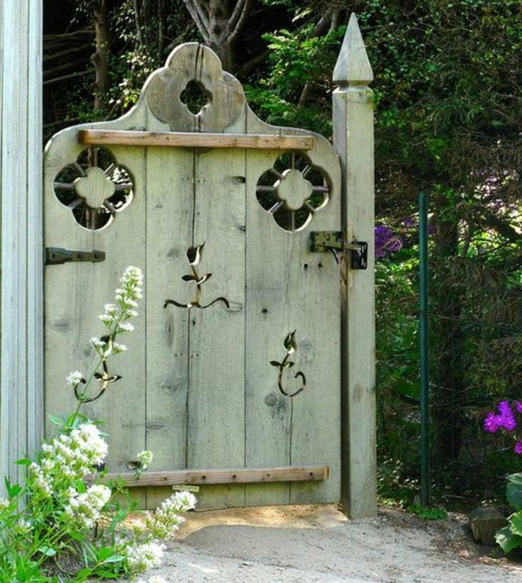 Fabulous Gartentor Holz rustikales vs modernes Design Garten