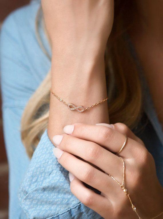 Rose Gold Bettelarmband Infinity Armband von AccessoriesAtelier