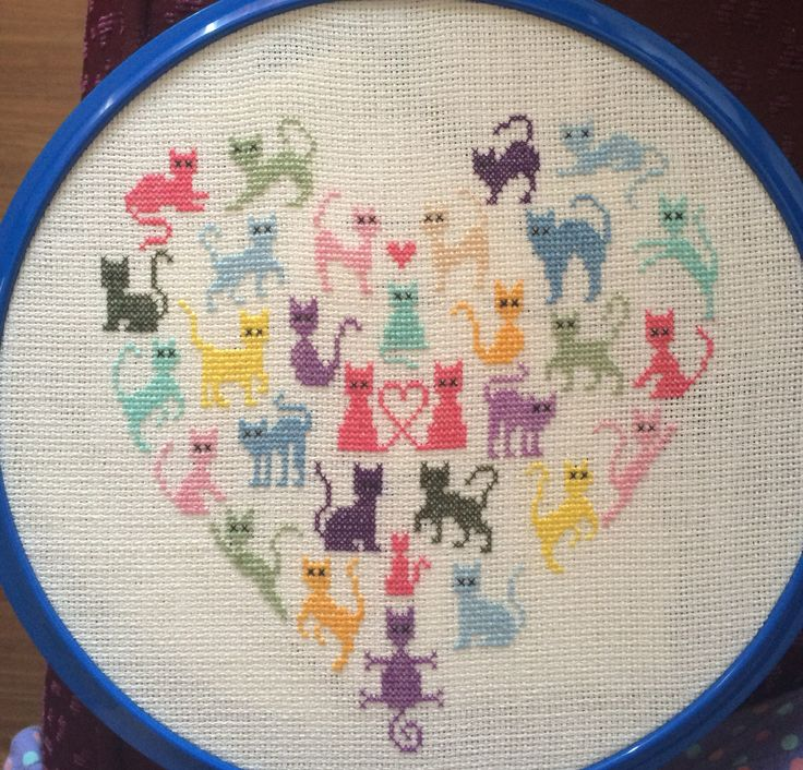 Kanaviçe kedi kalp