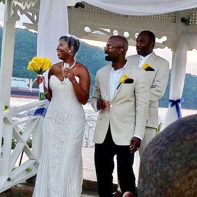 Bride and groom under the gazebo at destination wedding at Moon Palace Jamaica Grande #islandfunwiththerobinsons