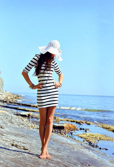 perfect place. perfect outfit.