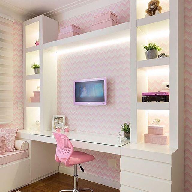 Encerrando com o toque do rosa no quarto da menina. Amei!  Projeto Monise Rosa Me encontre também no @pontodecor  HI Snap:  hi.homeidea  www.homeidea.com.br #bloghomeidea #olioliteam #arquitetura #ambiente #archdecor #archdesign #hi #cozinha #homestyle #home #homedecor #pontodecor #homedesign #photooftheday #love #interiordesign #interiores  #picoftheday #decoration #world  #lovedecor #architecture #archlovers #inspiration #project #regram #canalolioli #quartomenina
