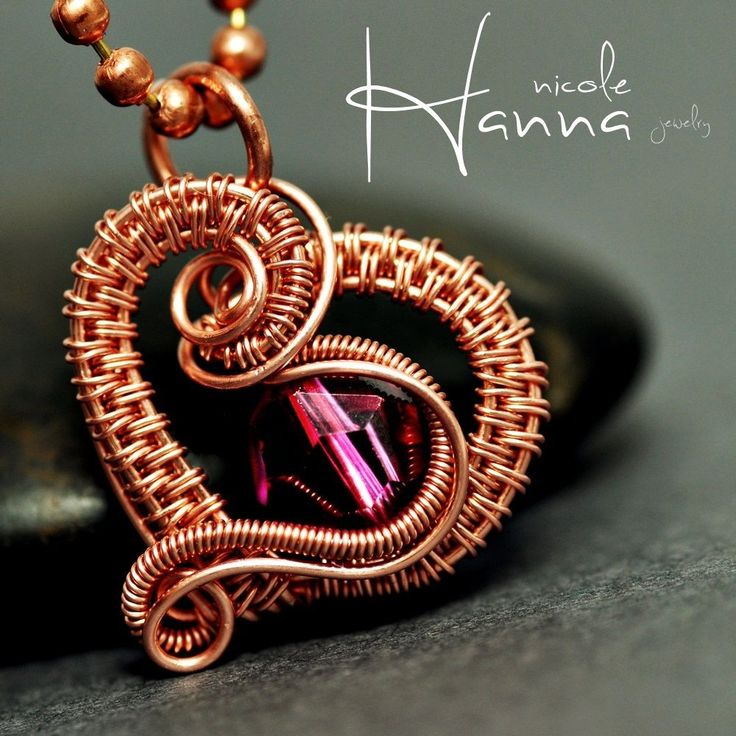 Another beautiful tutorial from Nicole Hanna - She's definitely my current favorite in the wire artist realm!