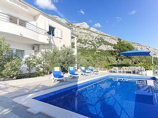 www.croatiatours.hr/+Low+Price+-+Garantie/Ferienhaus+für+6-8+Pers/3+Schlafzimmer+++Ferienhaus in Kroatien von @homeaway! #vacation #rental #travel #homeaway