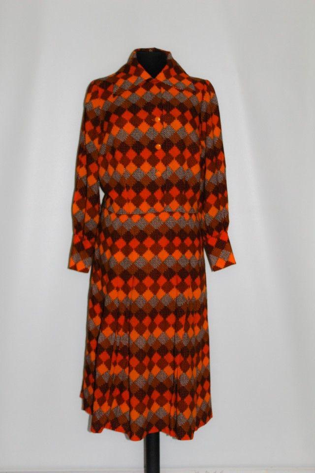 Rochie vintage print geometric portocaliu anii '60 http://www.vintagewardrobe.ro/cumpara/rochie-vintage-print-geometric-portocaliu-anii-60-7496991 #vintage #vintagewardrobe #vintageautentic #vintagedresses #1960s