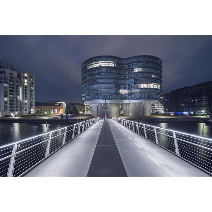 """copenhagen_04: the tail of the cycle snake, many passing souls #longexposure 'd out"""
