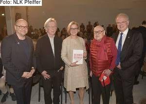 "LH Mikl-Leitner eröffnete Ausstellung ""IRONIMUS 90. Jetzt mal keine Politik!"" im Karikaturmuseum Krems"