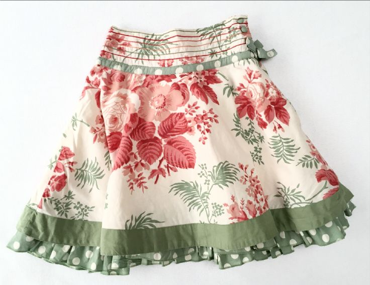 £6.99 This beautiful layered cream pink and green Monsoon skirt is truly stunning and would look gorgeous on any little girl This skirt is