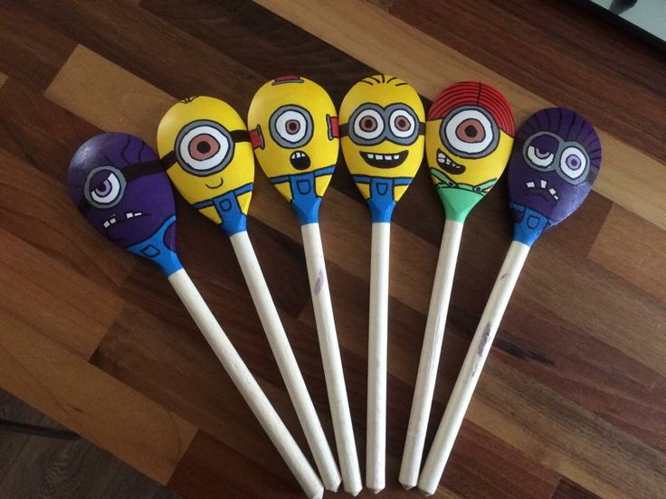 minion wooden spoon puppets