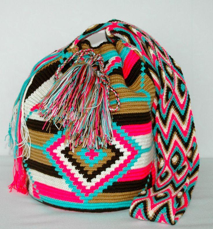 「Mochila tapestry haken」を Pinterest で発見 | アルファパターン と タペストリーのかぎ針編み