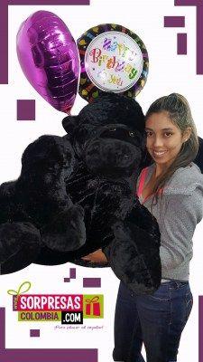 Gorila con demasiado Amor Sorprende con este especial peluche gigante que enamorara una vez mas a esa persona especial. Visita nuestra tienda online www.sorpresascolombia,com o comunicate con nosotros 3003204727 - 3004198