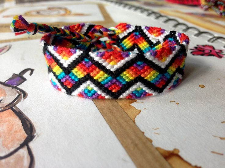 Rainbow Zig Zag Friendship Bracelet Pattern Number 9917 - For more patterns and tutorials visit our web or the app!