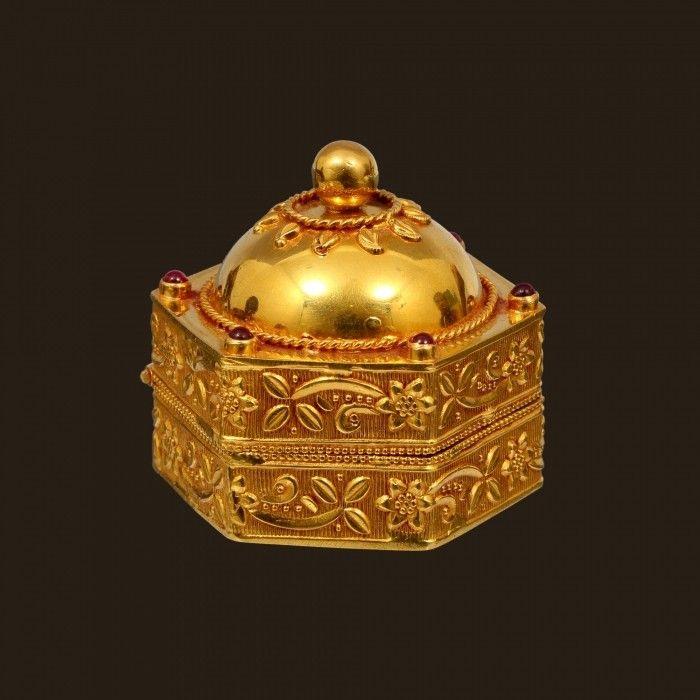 Gold Traditional Kukum Box (VBJ-OW-GA-7)   Vummidi Bangaru Jewellers