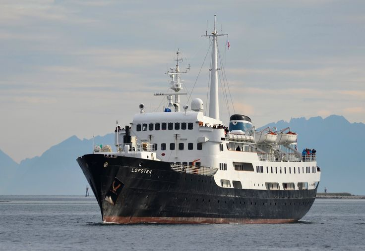 MS Lofoten i Risøyrenna. foto: tgj