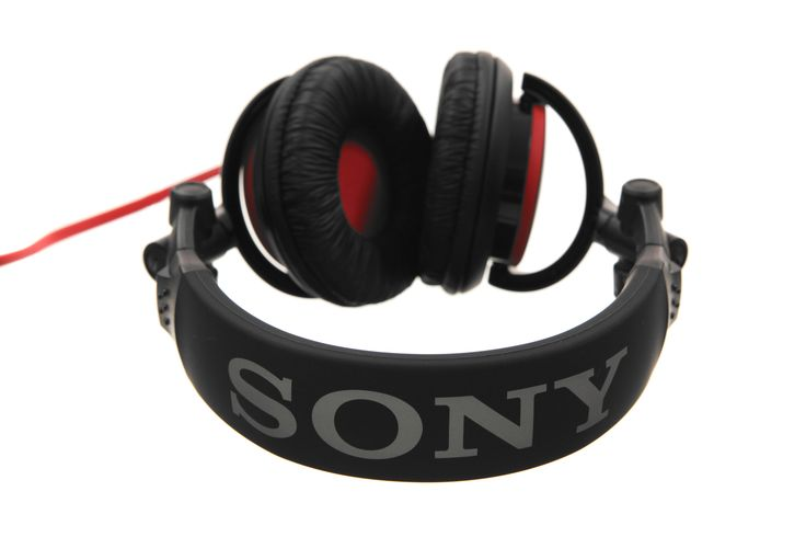 Feel the rhythm with the Sony MDR-V55 studio monitor DJ style headphones from The Bargain Lab. #dealsealer #headphones