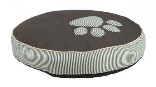 Aus der Kategorie Kissen & Decken  gibt es, zum Preis von   <br>Hundekissen Wilson - ein Kissen für jeden Hund.<br>Ein gemütliches Hundekissen in den Farben oliv/cremeund inCanvas-/Leinen-Optik. Es hat einen Polyester-Bezug und eine Polyestervlies-Füllung, die 14 cm dick ist. Das Kissen ist dank eines Nylon-Bodens weitgehend rutschfest.<br>Der Bezug des Hundkissens kann bei30 Grad in der Maschine gewaschen werden, während sich das Inlett bei 30 Grad per Hand waschen lässt.<br>Bitte…