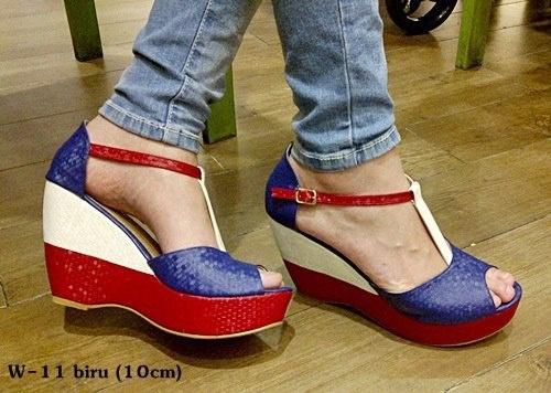 Wedges -- mix red white blue -- heels 10cm  IDR 210.000