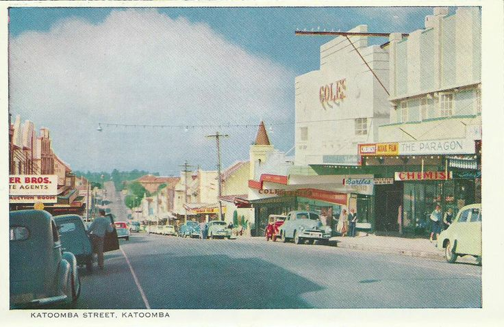 1960s postcard showing the Paragon cafe
