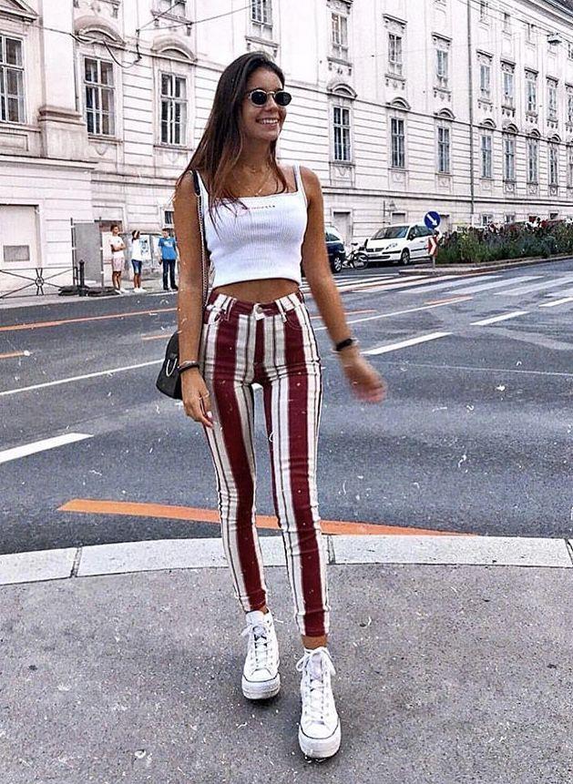 calças listradas para fazer as pernas parecerem mais longas   – Fashion