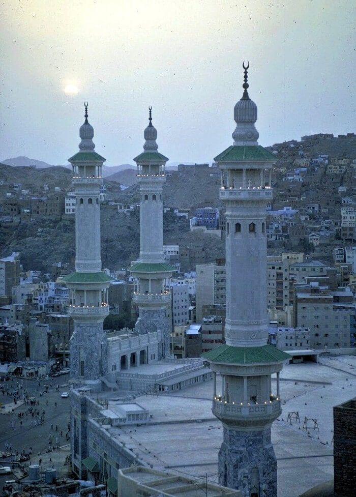 مشهد جميل للحرم المكي الشريف عام 1403هـ الموافق 1983م Islamic Pictures Photo Makkah