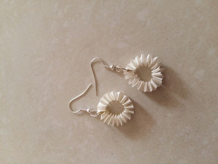 Circle spring shaped quiling earings