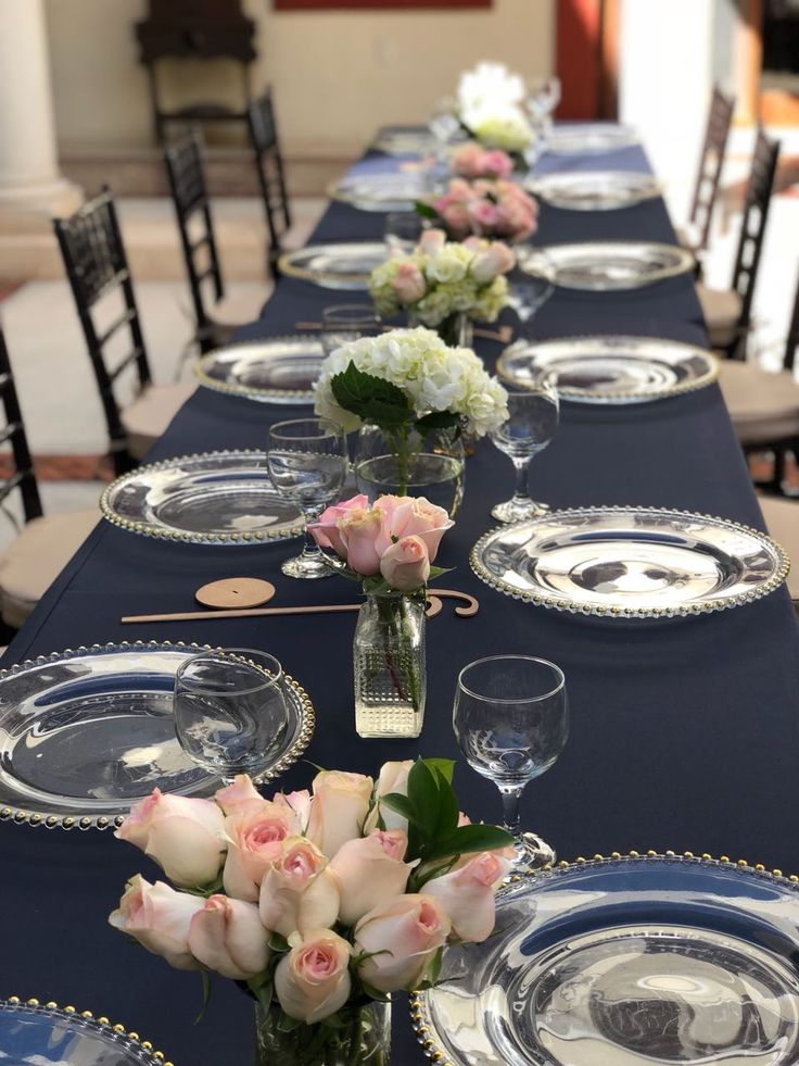 CBC440 centerpieces with light pink and white flowers/ centro mesa con flores blancas y rosas