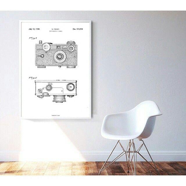 The Camera-plalaten er på lager i str 50x70cm ☺ Den er sååååå kul!! www.lobelia.no #lobelia_no #nettbutikk #interiørbutikk #interiørnettbutikk #bomedo #kkliving #boligdrøm #boligpluss #elledecoration #vakrehjem #tendens #bonansa #bonyttinspirasjon #bonytt #rom123egmont
