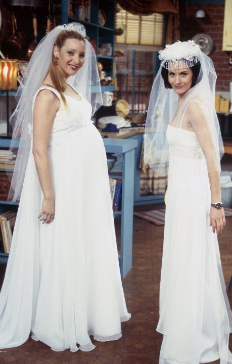 Phoebe (Lisa Kudrow), Monica Geller (Courteney Cox) ~ Friends ~ Behind the Scenes ~ Season 4, Episode 20: The One With all the Wedding Dresses