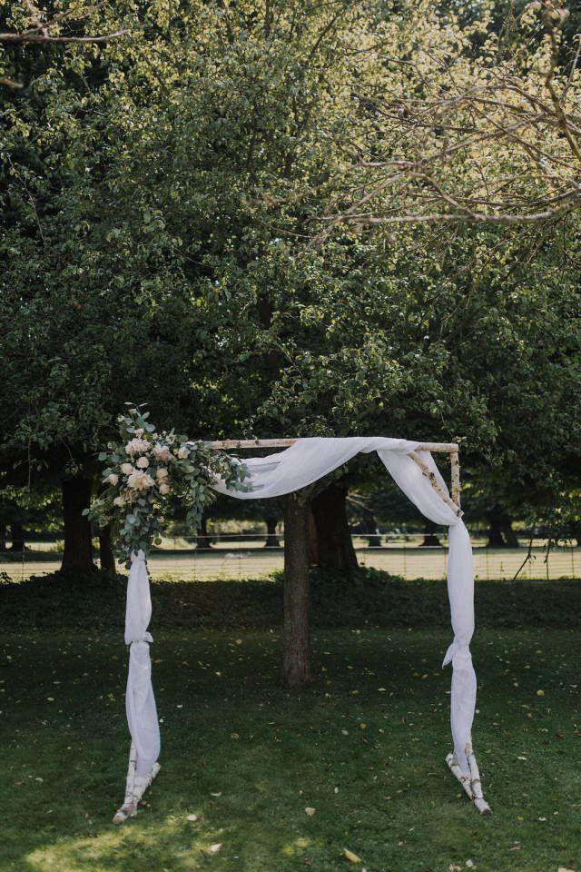 Credit: SUEGRAPHY - boom (plant), landschap, hout, buitenshuis, natuur, geen persoon, blad, park, gras (term), zomer, tuin