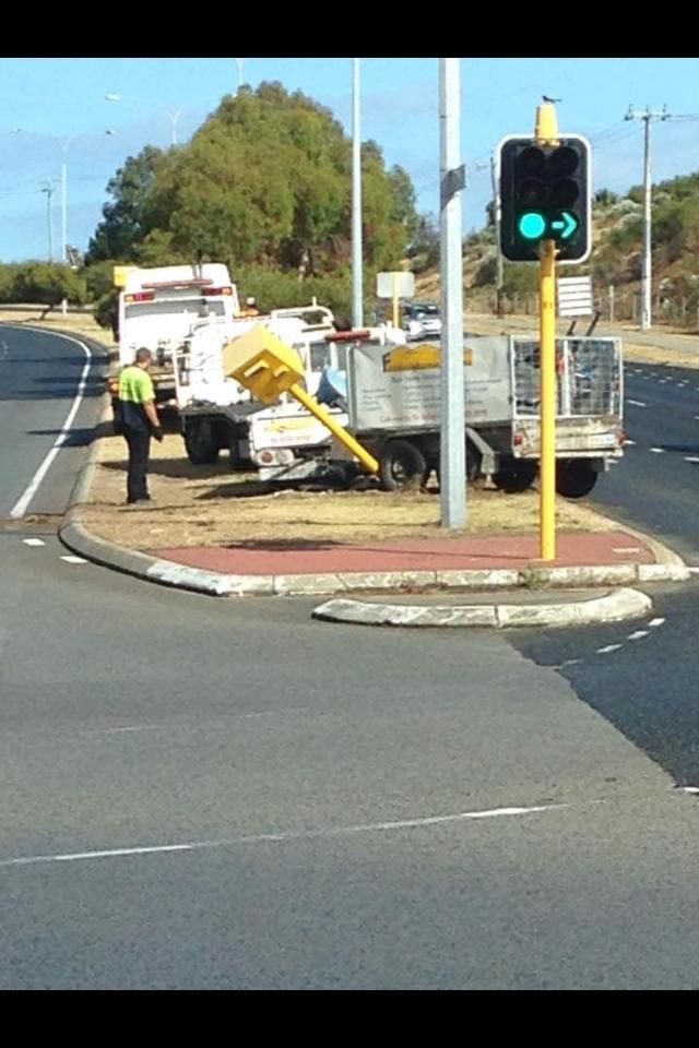 This bloke had a little run in with one of Perths Red light camera's! http://www.mccallumtowing.com.au/