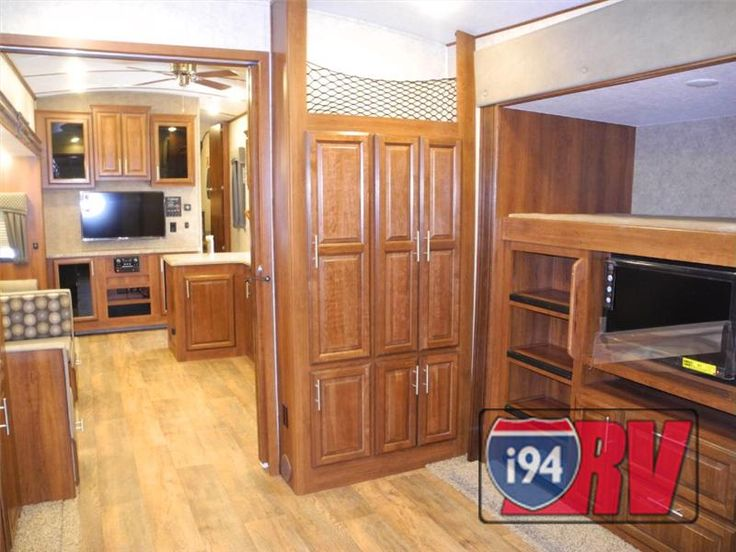 New 2015 wildcat 323rbx fifth wheel bunkhouse rv with for 2 bathroom 5th wheel