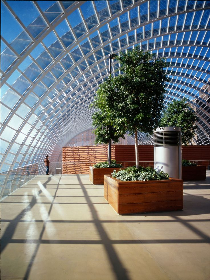 Kimmel Center for the Performing Arts | Rafael Viñoly Architects | Roof garden. Photo: Jeff Goldberg / Esto