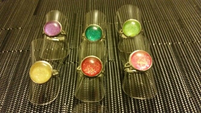 Mini glitter rings