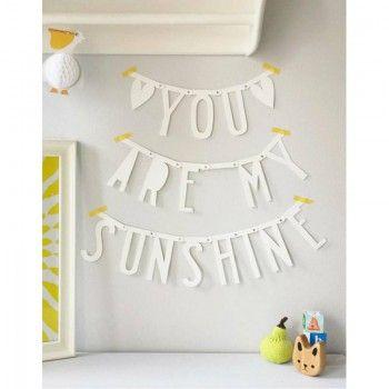 *check* DIY Letter Banner, weiß, 138 Buchstaben, Nummern und Symbole, von A Little Lovely Company