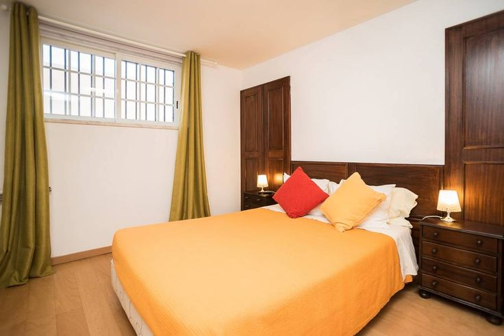 Pension in Cascais, Portugal. This listing is for Guincho Studio Apartment (budget option), located at Casa da Luisa Guest house (bed & breakfast). Guincho room may accomodate up to 4 people. This studio apartment is accessible through the house garage.  Enjoy every commodity ...