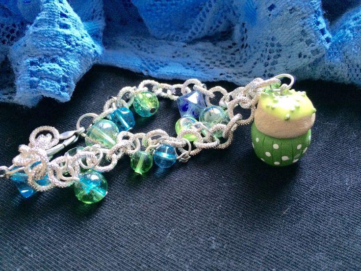 Un preferito personale dal mio negozio Etsy https://www.etsy.com/listing/230241190/sharmrock-cupcake-bracelet-polymer-clay