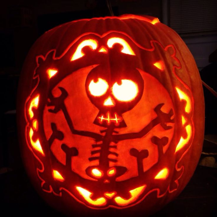 Cute skeleton on a real pumpkin. Stoneykins pattern. Carved by WynterSolstice