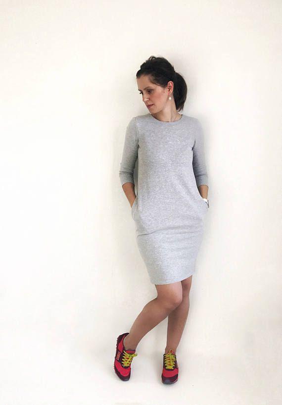 Sweatshirt Dress. #ivlhechoconamor #sweaterdress #sweatshirtdress #dress #casual #casualdress #comfydress #oversizeddress #motherhood #instadress #motherhoodrising #fashionmom #fashionblog #dresses #modernmom #womenootd #ootd #minimaliststyle #minimalistfashion #giftforher #casualstyle #minimalfashion #oversizedsweaters #blackdress #blackisbeautiful #autumndress #alldaydress #momlife