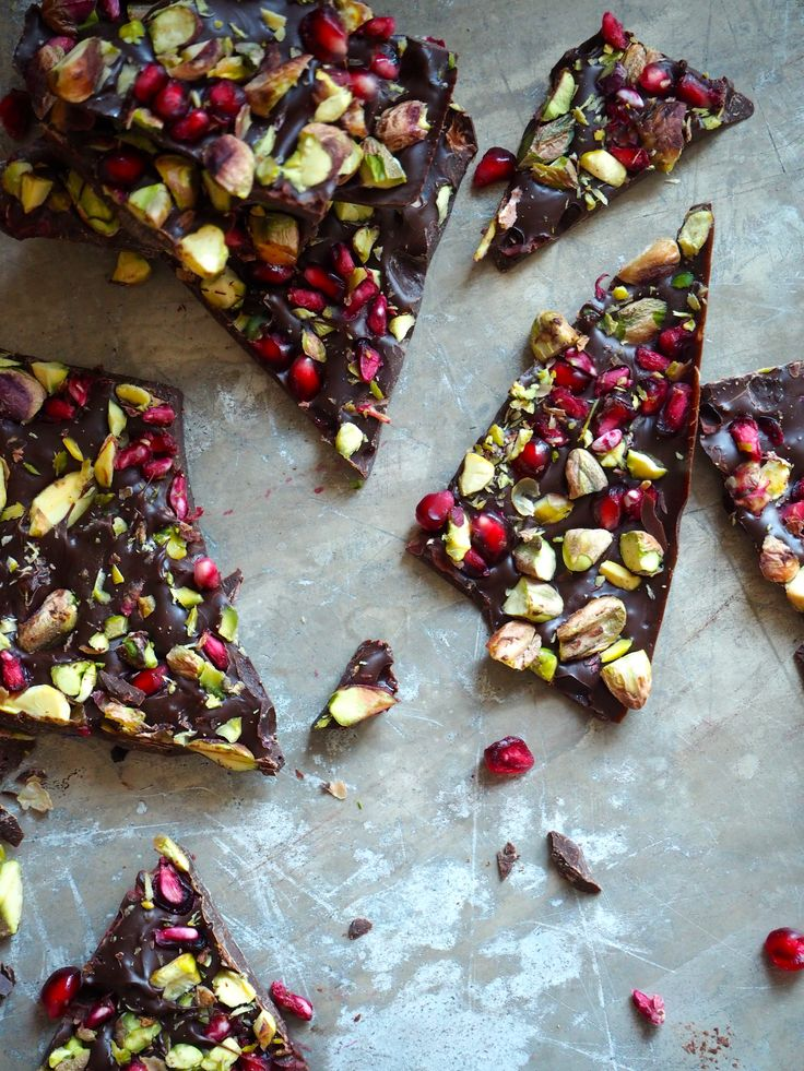 Sjokolade med granateple og pistasjnøtter