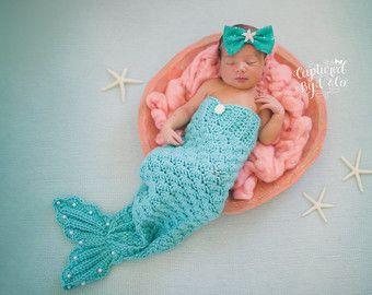 Princesa sirena - cola de sirena recién nacido Crochet y flor estrella arco venda--traje de sirena recién - princesa sirena-niña bodies