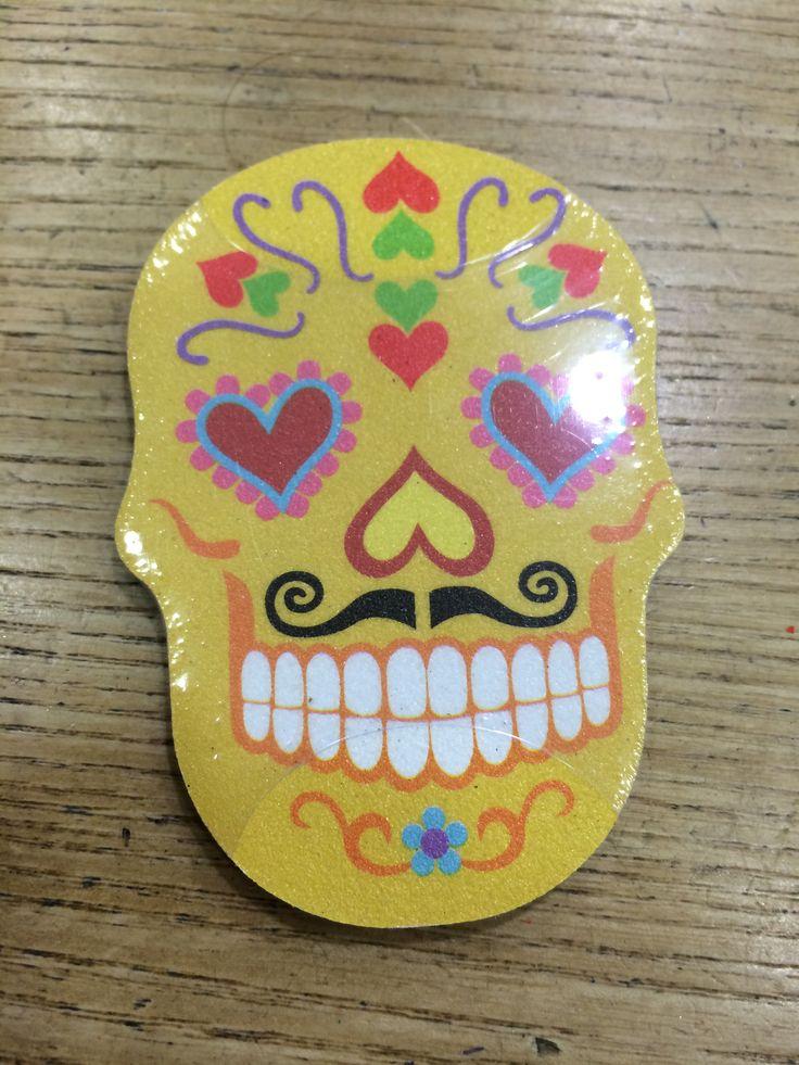 sugar skull emery board  azienda kikkerland  colori disponibili giallo,rosa,verde e glicine  misura unica  limetta per unghie con teschio  prezzo aquiloneshopping.it € 3.50